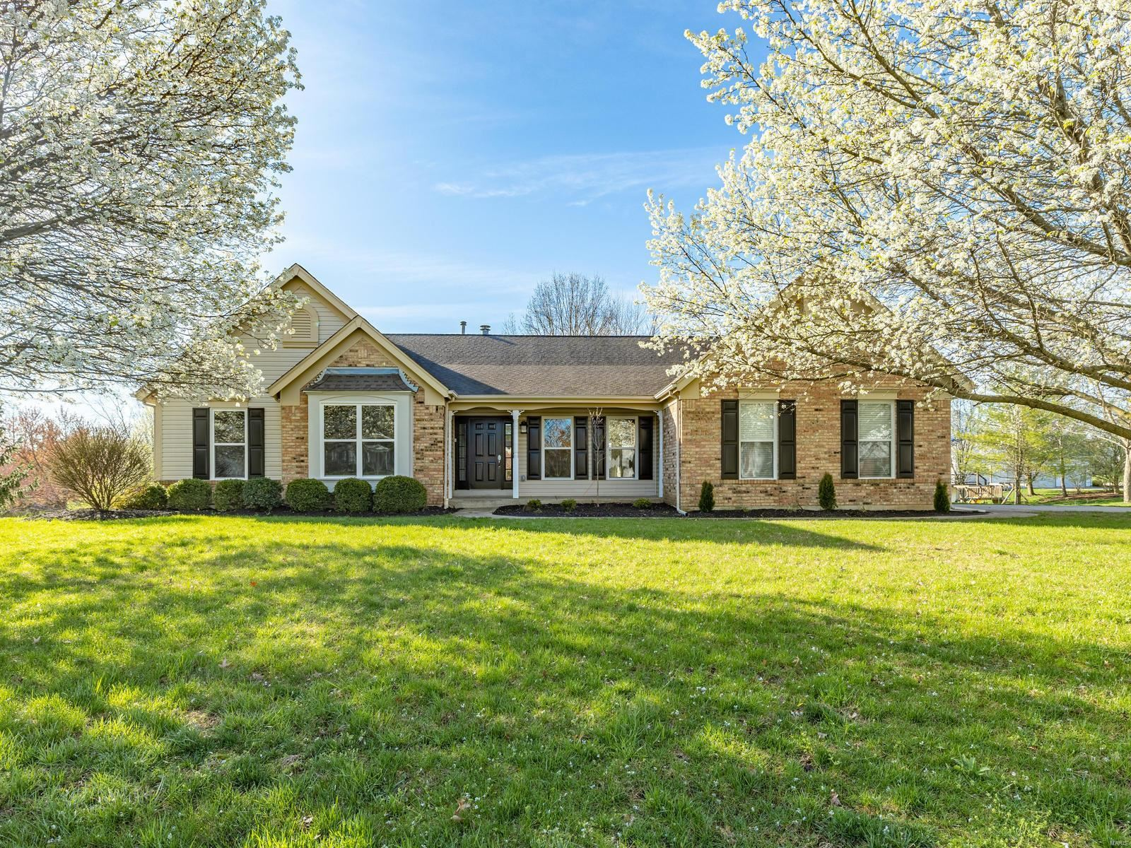5885 Canterfield, Weldon Spring, MO 63304 - MLS#: 20020660