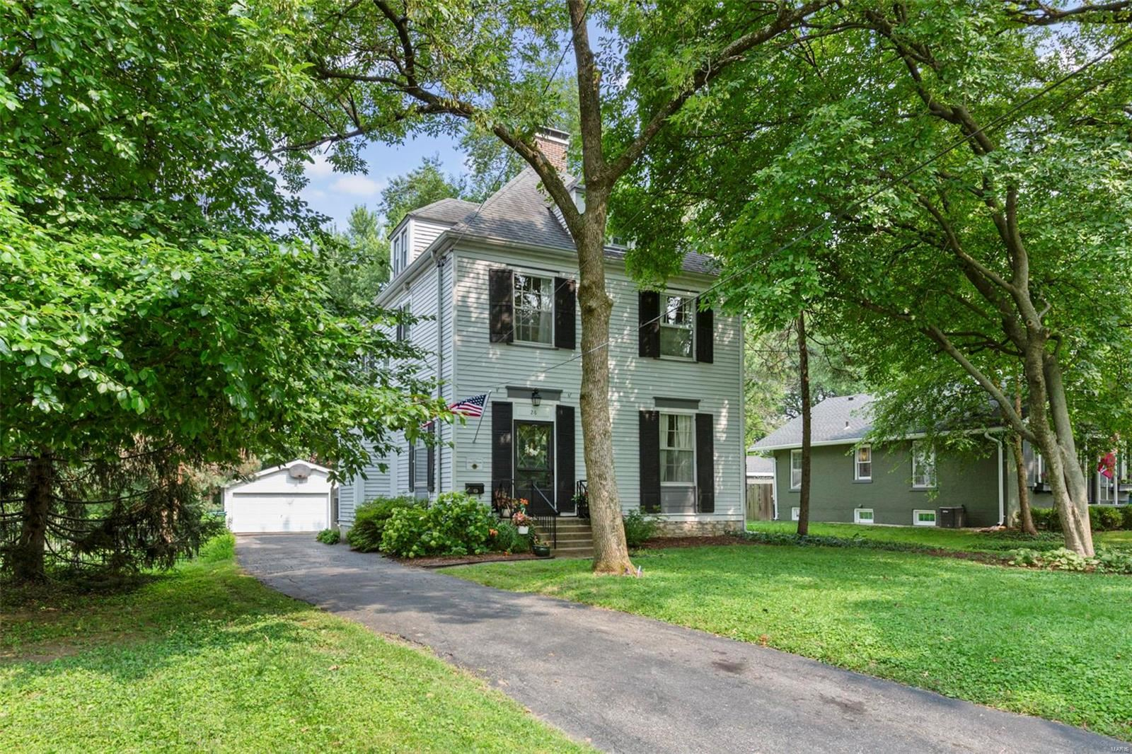 Photo for 26 Sylvester Avenue, Webster Groves, MO 63119 (MLS # 21051713)