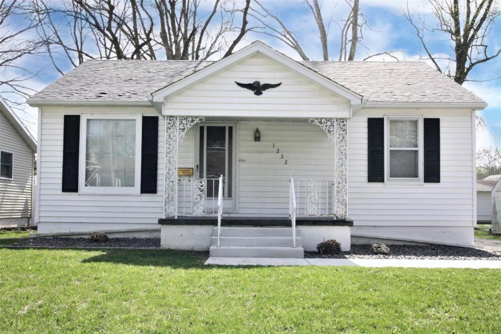 1232 McKinley Street, Mascoutah, IL 62258 - MLS#: 20021719