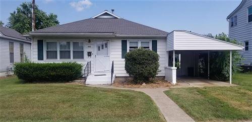 Photo of 355 W Lebanon Street, Nashville, IL 62263 (MLS # 21061722)