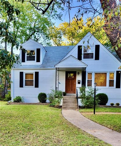Photo of 16 Claiborne Place, Webster Groves, MO 63119 (MLS # 21066748)
