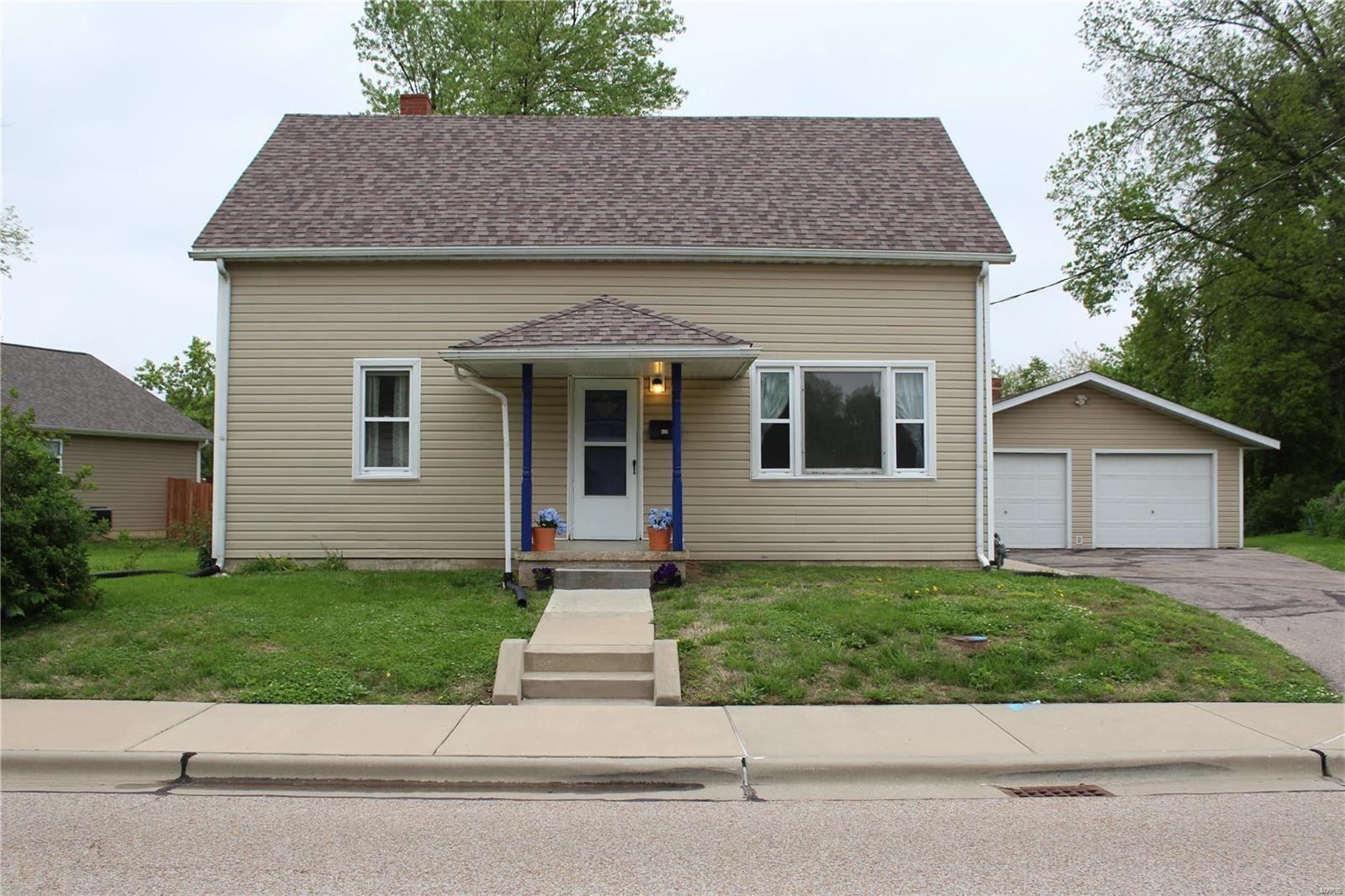 420 South Clinton, Collinsville, IL 62234 - #: 20033748