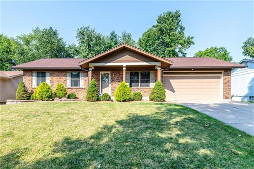 Photo of 32 Crescent Hills, St Peters, MO 63376 (MLS # 21064797)