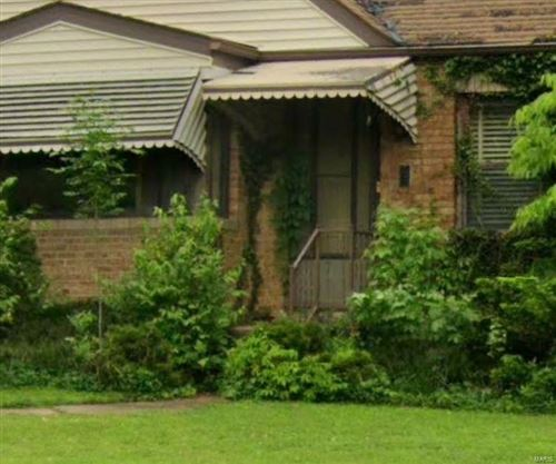 Photo of 10035 Lakeside Drive, St Louis, MO 63123 (MLS # 20080829)