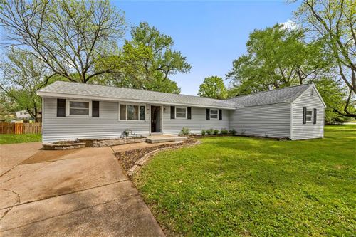 Photo of 101 downing, Maryland Heights, MO 63043 (MLS # 21029833)