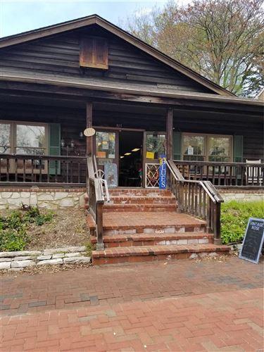 Photo of 915 South Main, St Charles, MO 63301 (MLS # 21024861)
