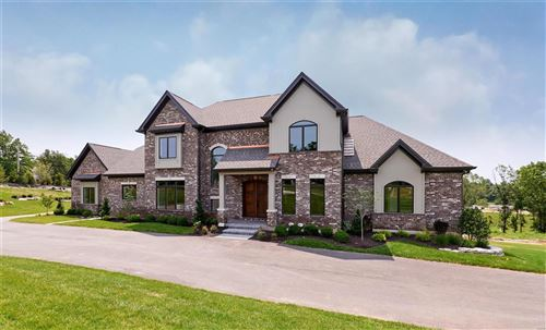 Photo of 13714 Belcrest Court, Town and Country, MO 63131 (MLS # 20082862)