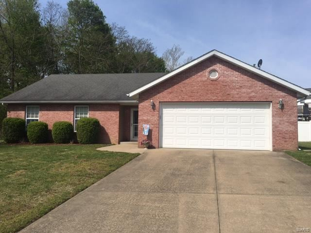 Photo of 111 Hollyvale Drive, Cape Girardeau, MO 63701 (MLS # 21026875)