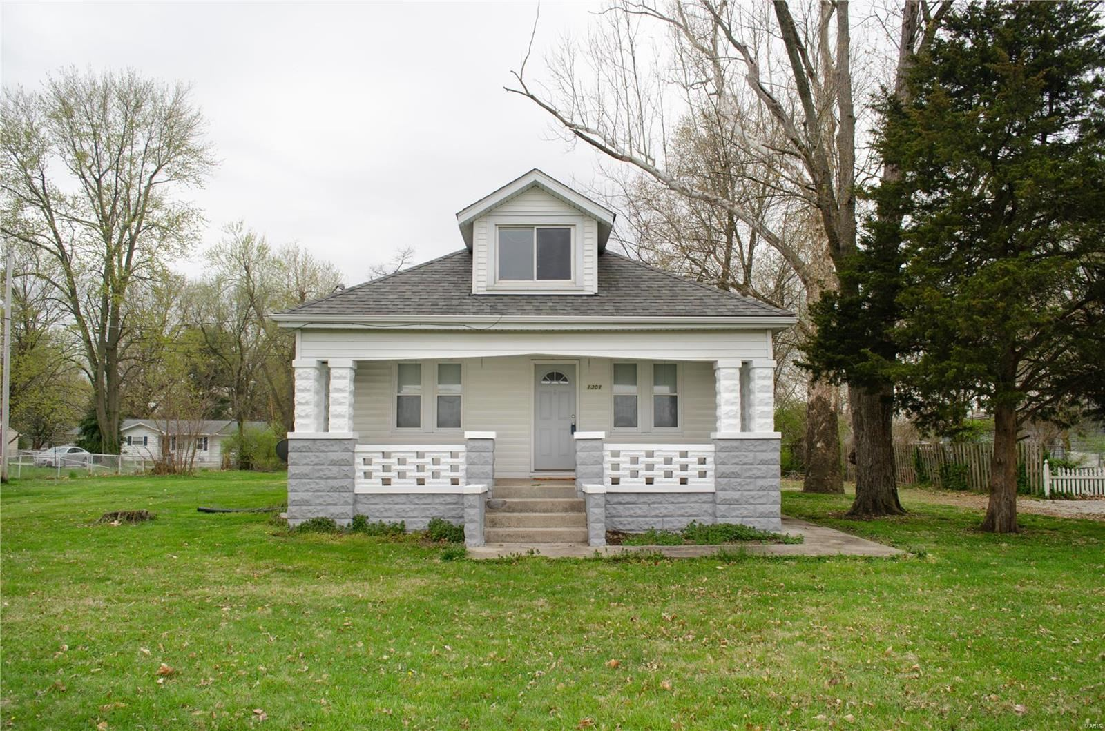 1301 West Boulevard, Belleville, IL 62221 - MLS#: 20000884