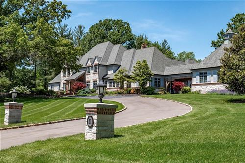 Photo of 31 Somerset Downs, St Louis, MO 63124 (MLS # 20033899)