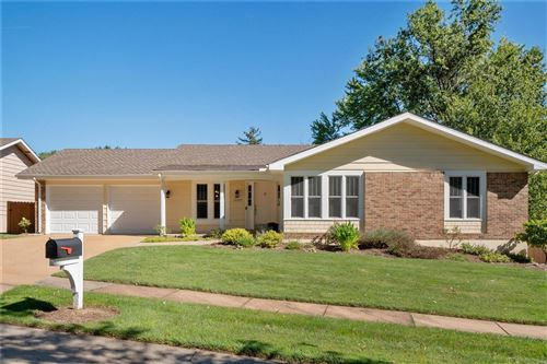 Photo of 15357 Thistlebriar, Chesterfield, MO 63017 (MLS # 21062906)