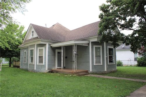 Photo of 207 North 5th, Elsberry, MO 63343 (MLS # 21046908)