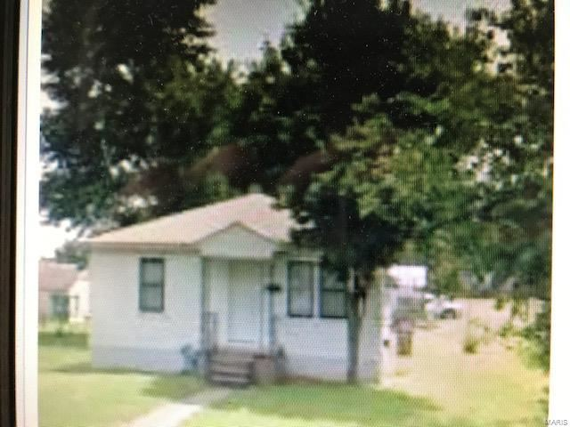 Photo of 1102 South Sprigg St., Cape Girardeau, MO 63703 (MLS # 21030961)
