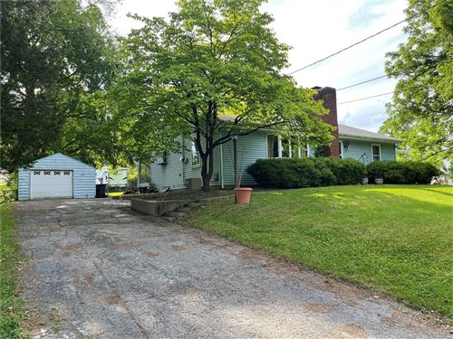 Photo of 4 Valley View Drive, Belleville, IL 62223 (MLS # 21034964)