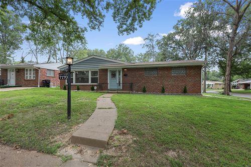 Photo of 7170 Hazelwood Lane, University City, MO 63130 (MLS # 21054986)