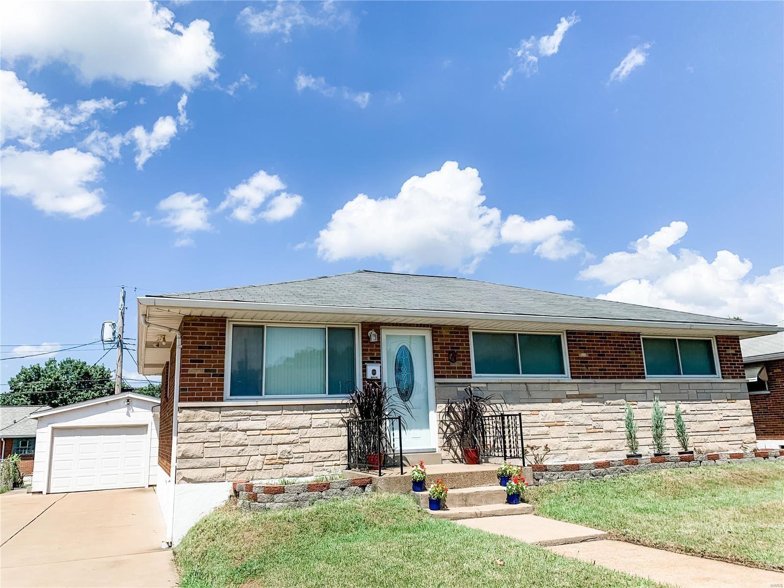8213 Ketmore Drive, Saint Louis, MO 63123 - MLS#: 21060993
