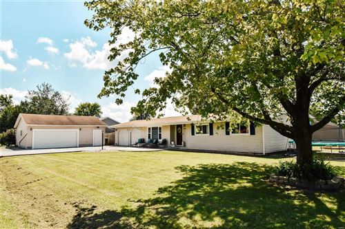 Photo of 9029 Teal Road, Nashville, IL 62263 (MLS # 21042997)