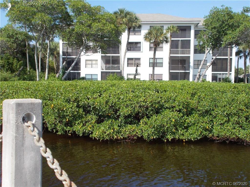 Photo of 390 NE Edgewater Drive #401, Stuart, FL 34996 (MLS # M20021007)