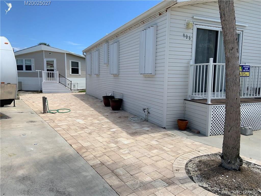 Photo of 906 Nettles Boulevard, Jensen Beach, FL 34957 (MLS # M20025027)