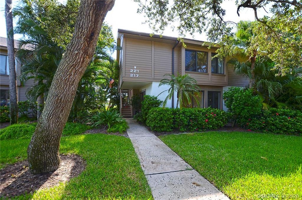 Photo of 217 NE Edgewater Drive, Stuart, FL 34996 (MLS # M20025053)