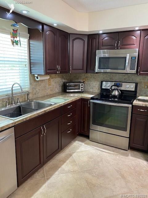 1217 S Lakes End Drive #D2, Fort Pierce, FL 34982 - MLS#: M20028091