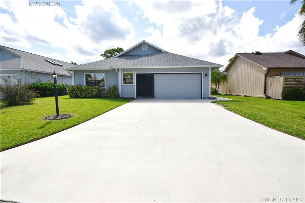 Photo of 6335 SE Ames Way, Hobe Sound, FL 33455 (MLS # M20026095)