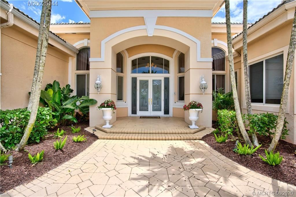 Photo of 52 St James Drive, Palm Beach Gardens, FL 33418 (MLS # M20025144)