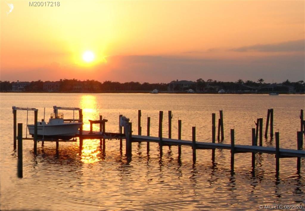 880 SW Saint Lucie Crescent, Stuart, FL 34994 - #: M20017218