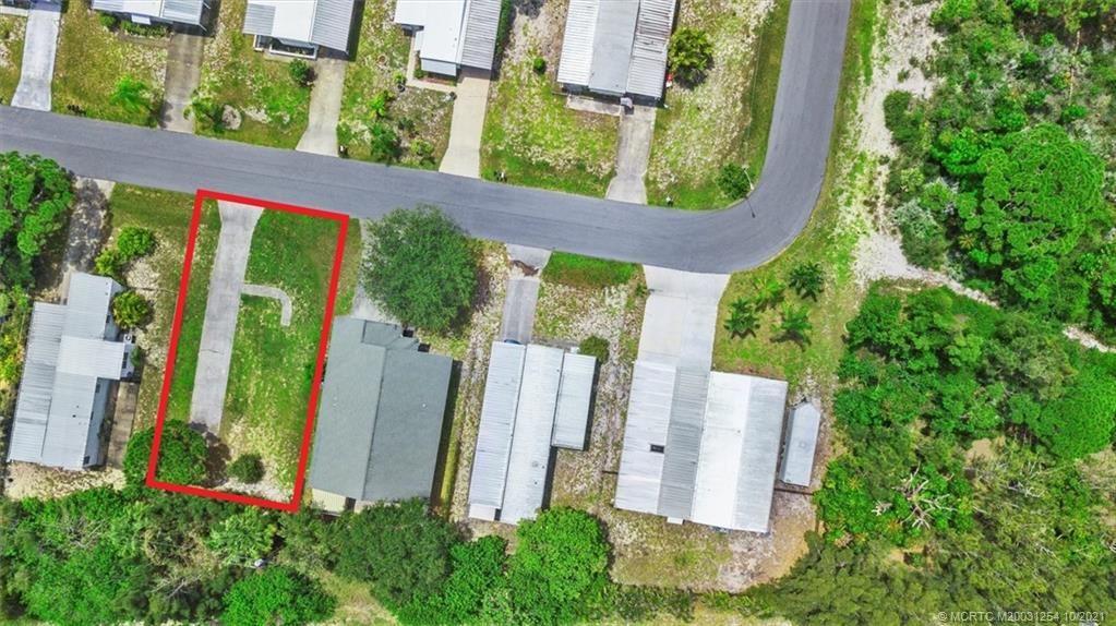 Photo of 7951 SE Skylark Avenue, Hobe Sound, FL 33455 (MLS # M20031254)