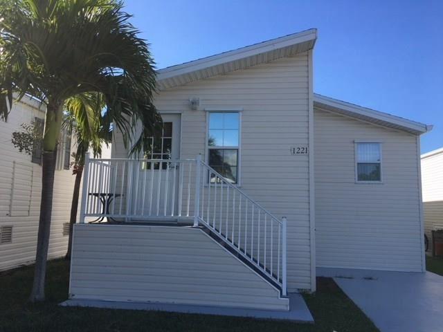 1221 Nettles Boulevard, Jensen Beach, FL 34957 - #: M20015259