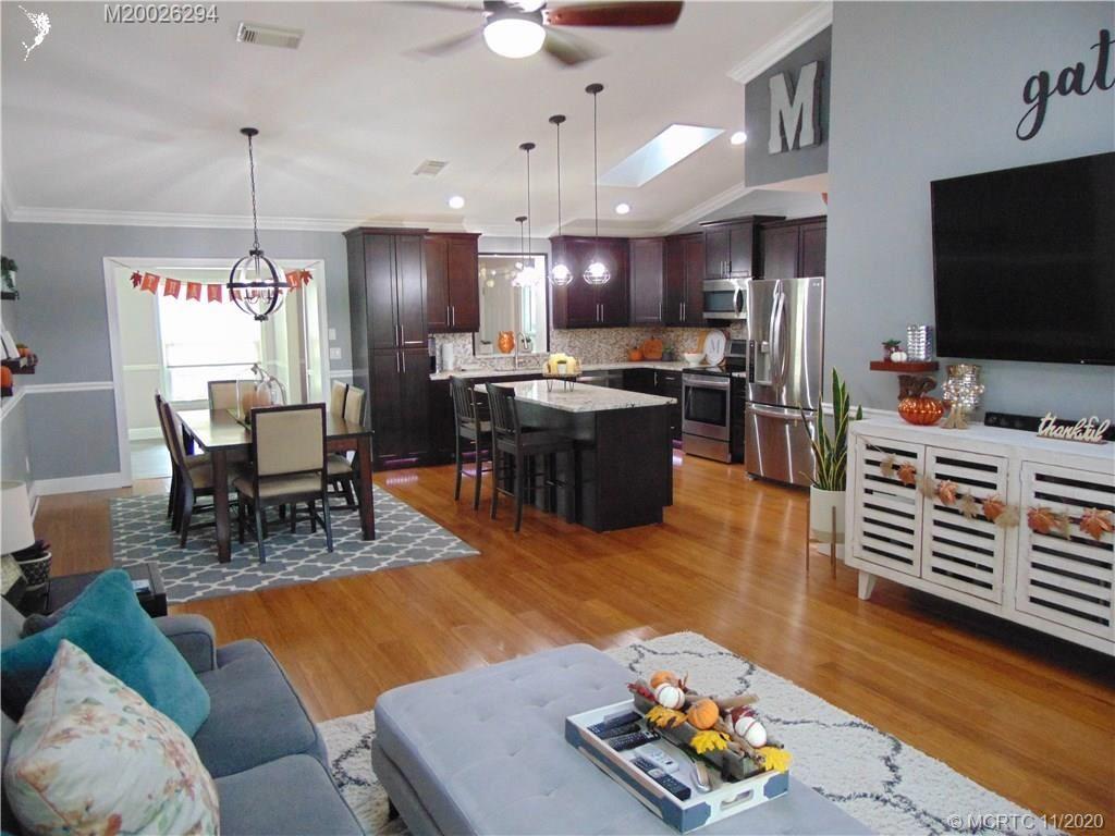 646 NE Vanda Terrado, Jensen Beach, FL 34957 - #: M20026294