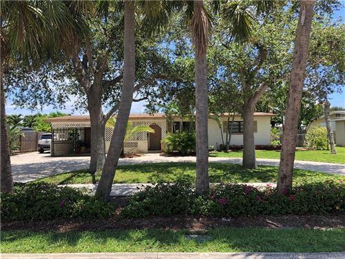 Photo of 432 Prosperity Farms Road, North Palm Beach, FL 33408 (MLS # M20030305)