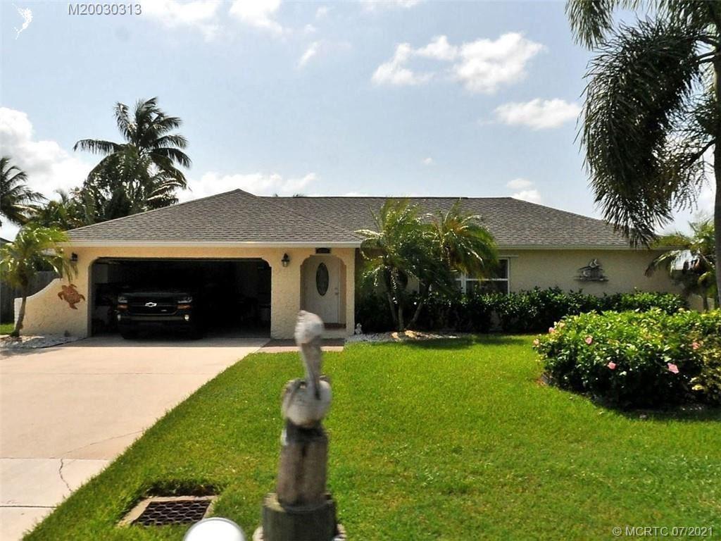 Photo of 1601 Bahia Drive, Fort Pierce, FL 34949 (MLS # M20030313)