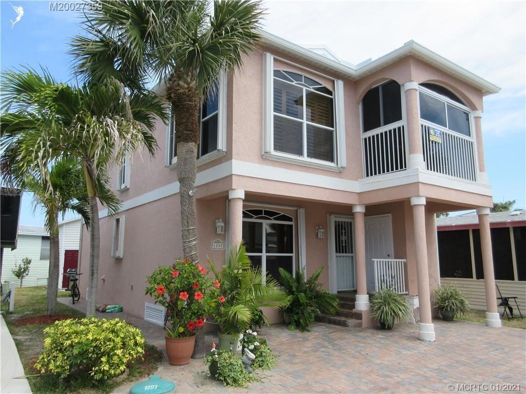 1207 Nettles Boulevard, Jensen Beach, FL 34957 - #: M20027359