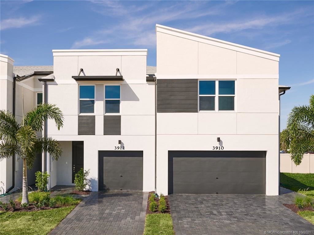 Photo of 3919 SE Mentmore Lane, Stuart, FL 34997 (MLS # M20031405)