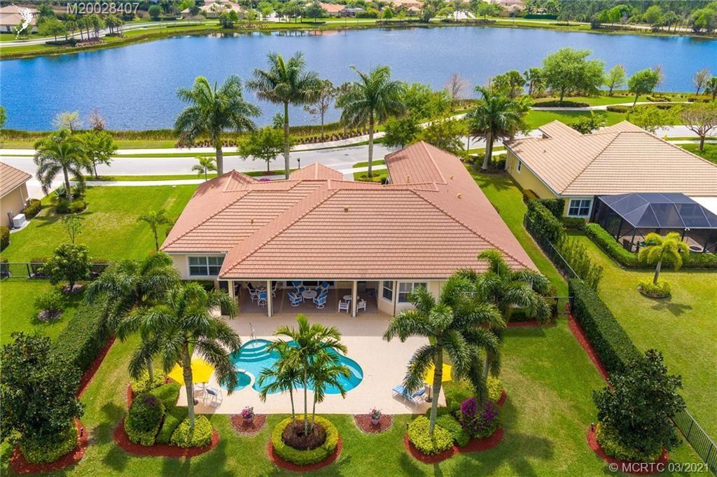 Photo of 615 SE Tres Belle Circle, Stuart, FL 34997 (MLS # M20028407)