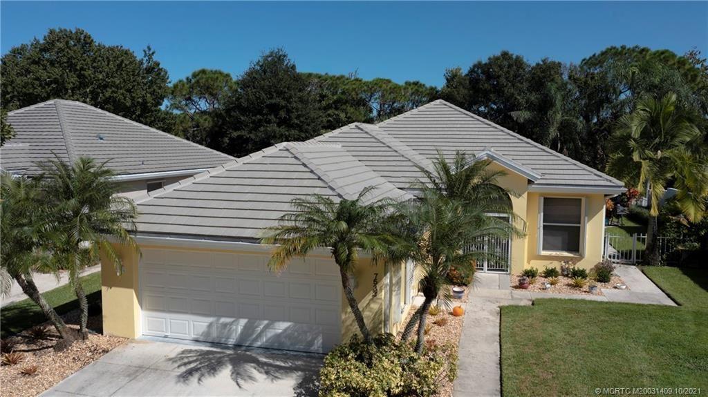 Photo of 7533 SE Autumn Lane, Hobe Sound, FL 33455 (MLS # M20031409)