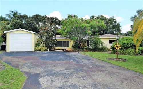 Photo of 2 Palmetto Drive, Stuart, FL 34996 (MLS # M20019426)