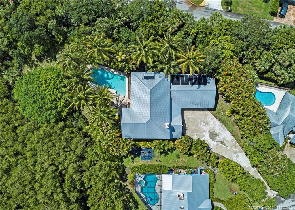 Photo of 10737 SE Seaspray Court, Hobe Sound, FL 33455 (MLS # M20031428)