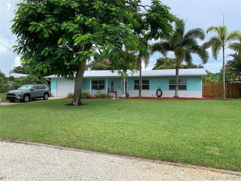 Photo of 1433 SE 11th Street, Stuart, FL 34996 (MLS # M20025454)