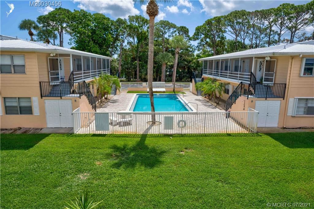 Photo of 333 SE Martin Avenue #1-H, Stuart, FL 34996 (MLS # M20030456)