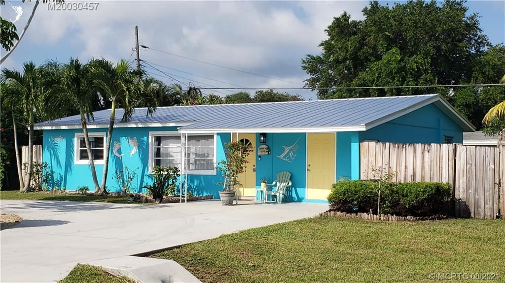 Photo of 4584 SE Dryfus Avenue, Stuart, FL 34997 (MLS # M20030457)