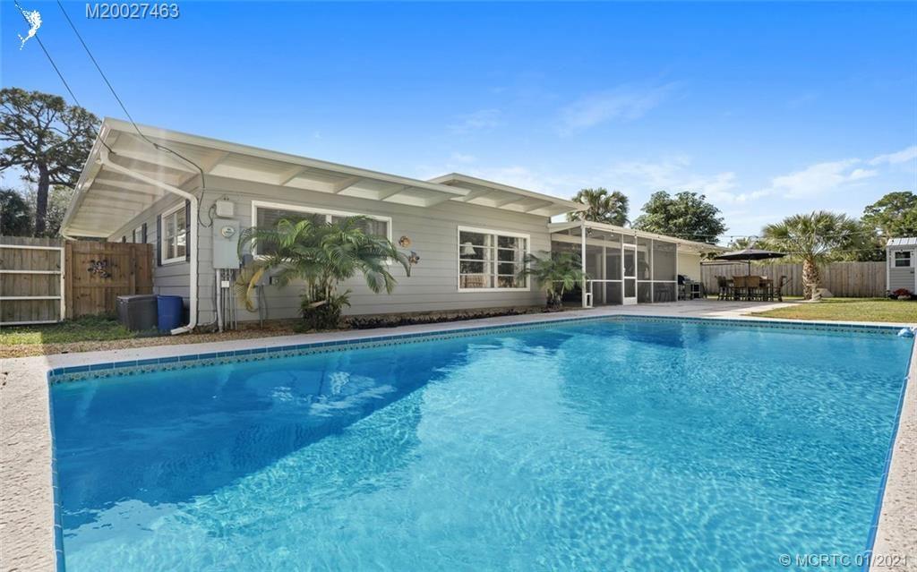 Photo of 530 SW Manor Drive, Stuart, FL 34994 (MLS # M20027463)