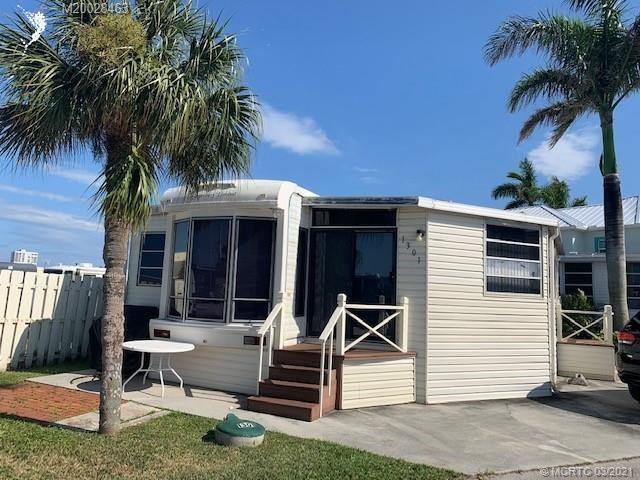 1301 Nettles Boulevard, Jensen Beach, FL 34957 - #: M20028463