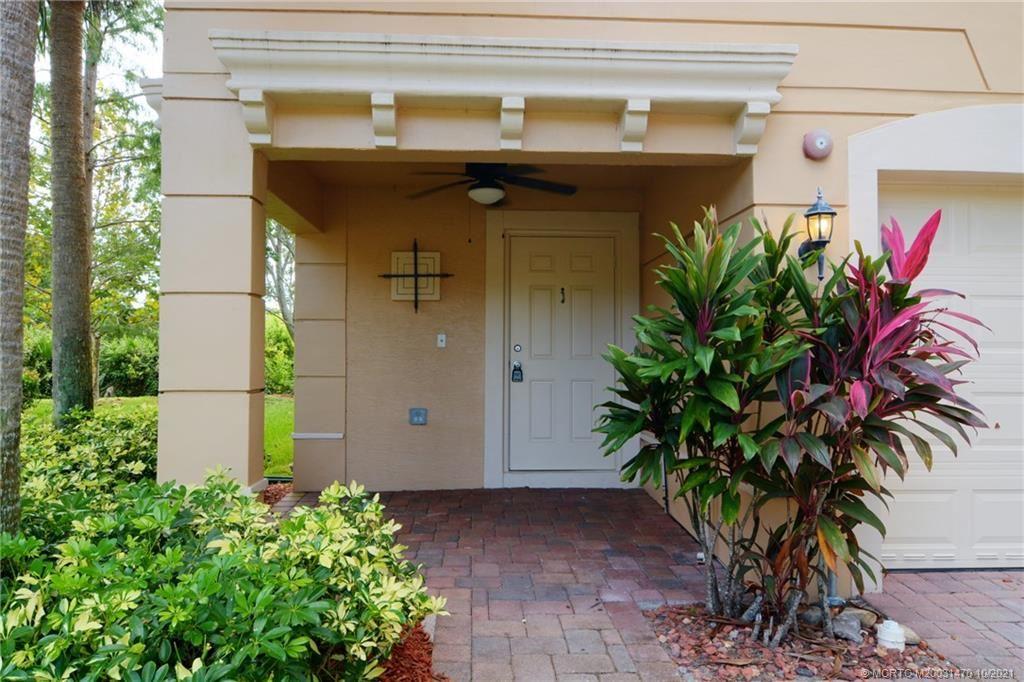 Photo of 5353 SE Jennings Lane, Stuart, FL 34997 (MLS # M20031470)