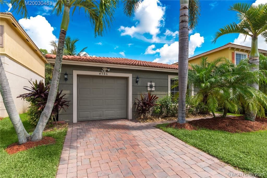 Photo of 4586 SE Graham Drive, Stuart, FL 34997 (MLS # M20030483)