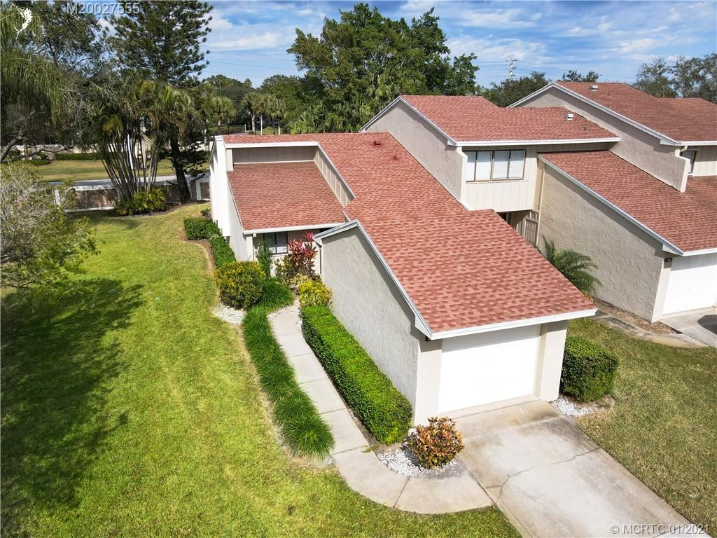 Photo of 1683 SW Crossing Circle, Palm City, FL 34990 (MLS # M20027555)