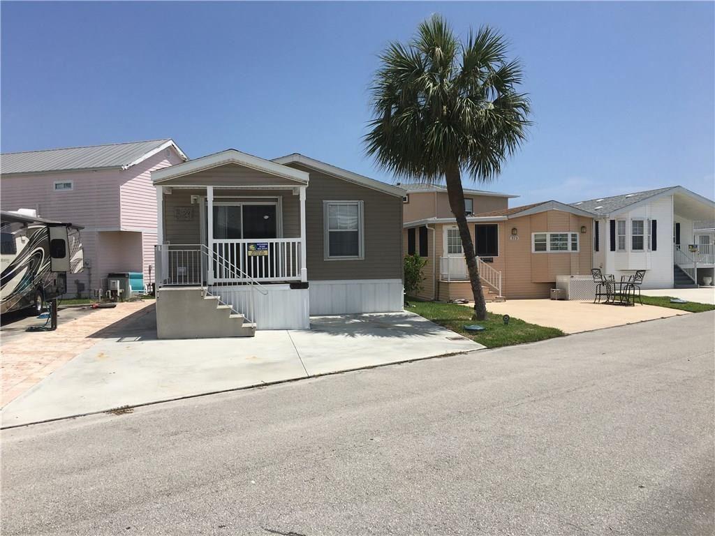 324 Nettles Boulevard, Jensen Beach, FL 34957 - #: M20018576