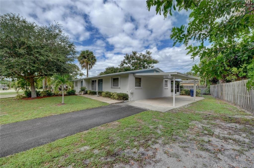 Photo of 503 SE Robalo Court, Stuart, FL 34996 (MLS # M20031583)