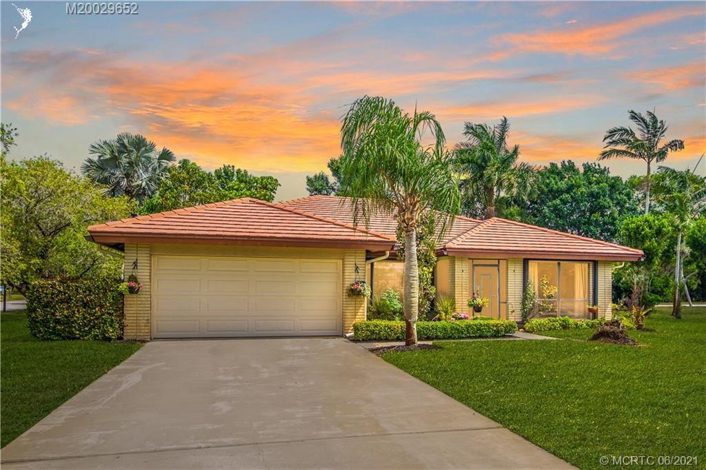 Photo of 2225 SW Creekside Drive, Palm City, FL 34990 (MLS # M20029652)